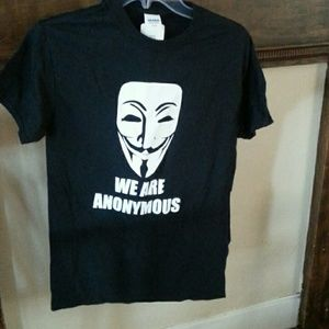 New T-shirt.  Face of Anonymous NWT